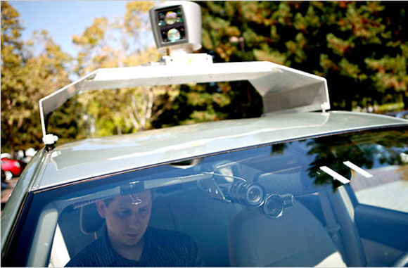 http://img.donanimhaber.com//images/haber/22636/self-driving-google-car-1